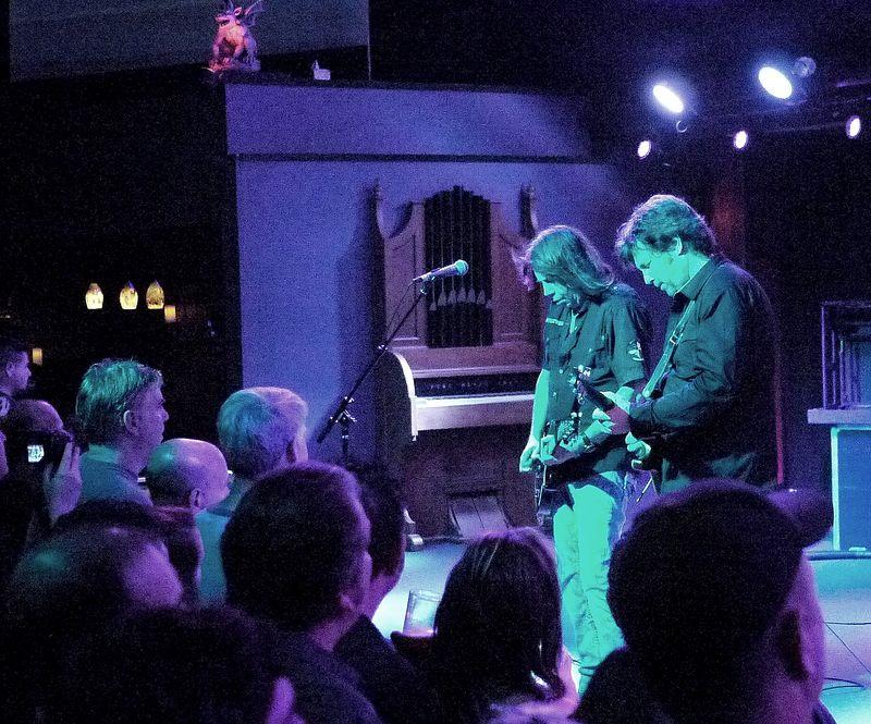 Pat Travers Band13